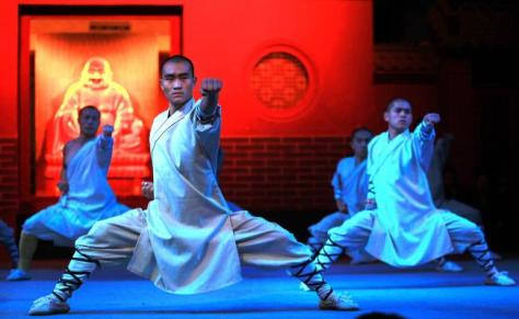 Chinese-monks-display-Kung-Fu-at-Shaolin-Temple_3_1